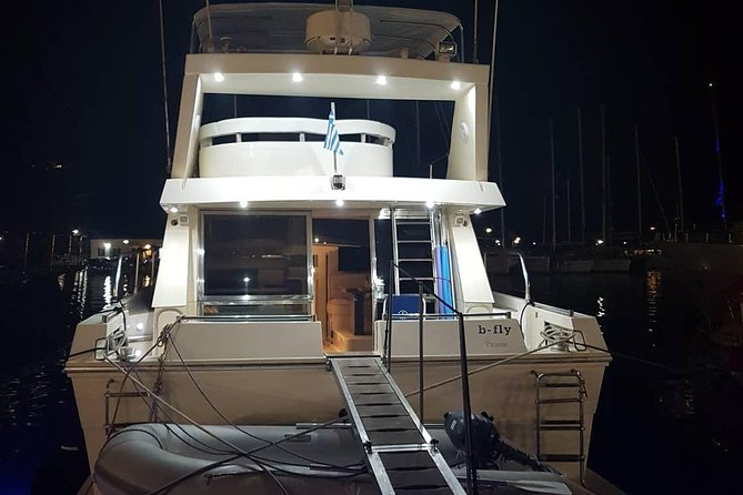 Private Tailormade Yacht Sunset Cruise in Santorini