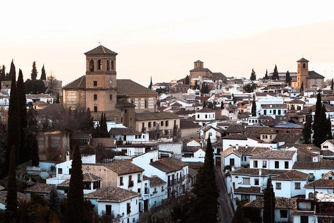 Granada: Albaicin and Sacromonte Private Tour
