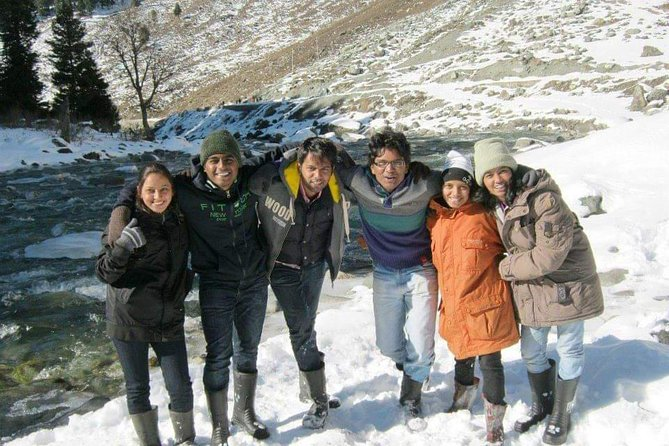 Kashmir Family Tour - 07 Days Includes Accommodation and Private Transport