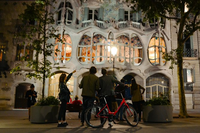 Barcelona Bike Tour by Night photo 10