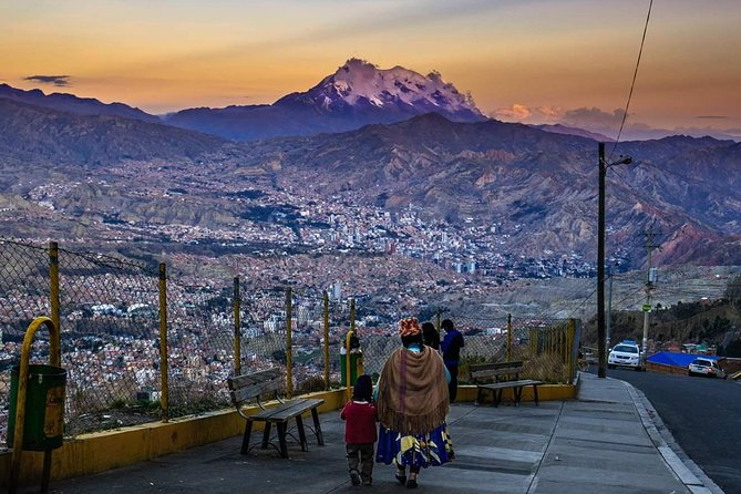 Walking City Tour La Paz + Cable Cars + Valle de Luna