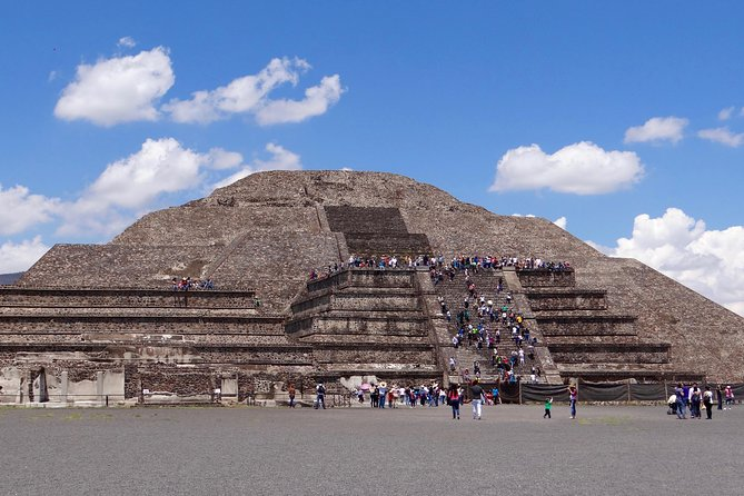 4-Day Teotihuacan, Guadalupe Shrine, Xochimilco,Taxco and Puebla Guided Tour