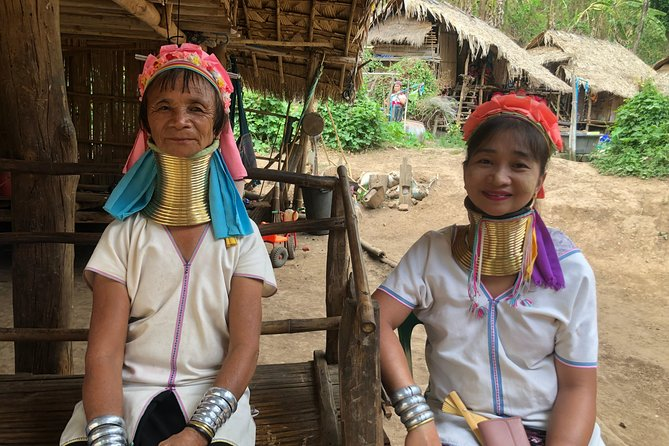 One Day Long-neck hill tribe - Bamboo Rafting - Chiang Dao Cave (Private tour)