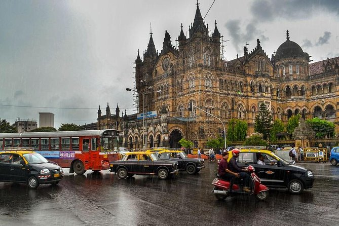 Experience the Monsoon in Mumbai in Private Vehicle