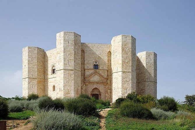 Castel del Monte, between wonder and mistery