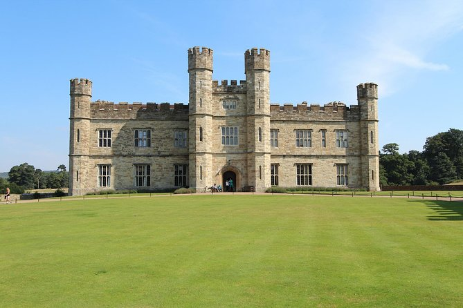 LEEDS CASTLE & CANTERBURY - Day Tour from Brighton