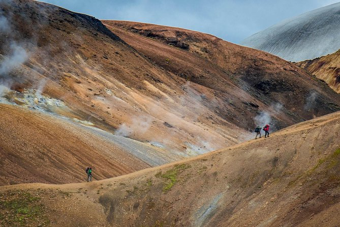 7-Day Laugavegur and Fimmvorduhals Trek in Huts from Reykjavik
