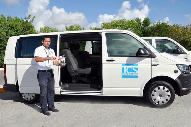 Private round airport transfer from Cancun - Puerto Aventuras - airport.