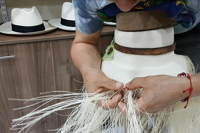Panama Hat Maker, Artisan goods, Museum, Beachfront local Cuisine. SHORE TOUR