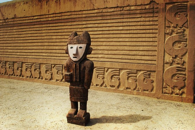 Private Tour Trujillo: Sightseeing, Museum, Sun & Moon, Chan Chan and Huanchaco.