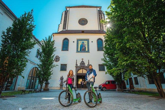 VYSEHRAD CASTLE tour on E-scooter HUGO Bike 3hours