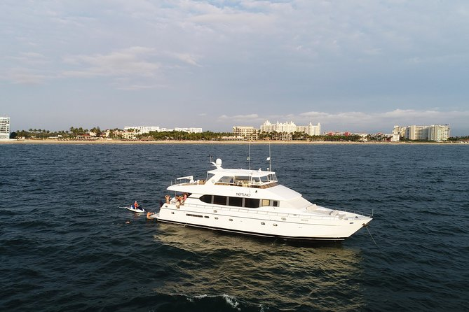 Neptuno Yacht Day Experience Private Tour