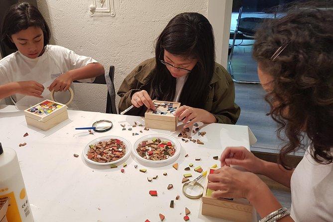 Mosaic workshop for groups: do it like Gaudi