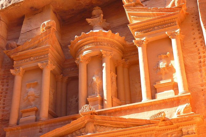 Full Day Treasure of Jordan Petra Tour with Pickup Included