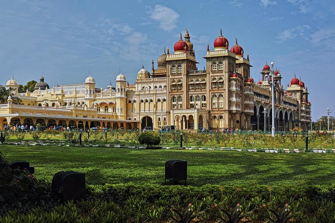Full Day Private tour of Mysore from Bangalore with pick up and drop-off