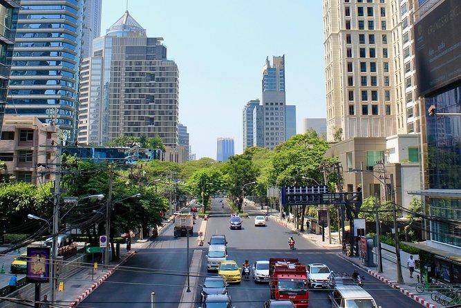 Explore Bangkok's Wireless Road Walking Audio Tour by VoiceMap