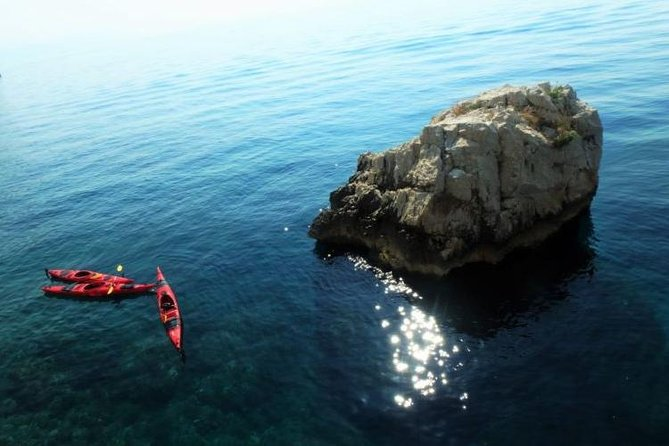 Southern cliffs sea kayak adventure