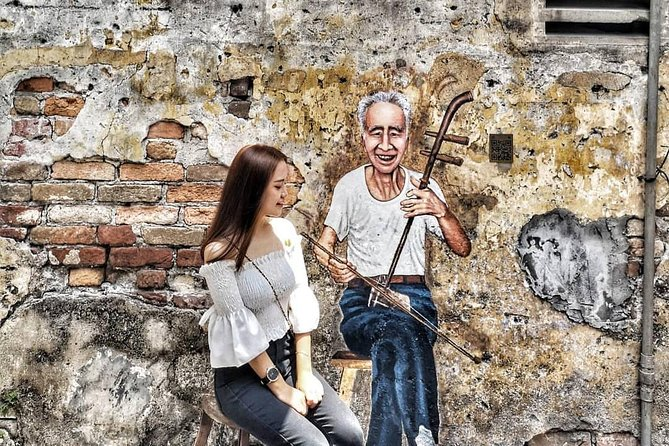 Kuala Lumpur Historical Chinatown & Batik Painting Cultural Tour (Half Day)