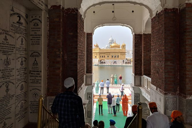 Amritsar: Visit to Golden Temple & Wagah Border with Hotel pick-up & drop-off