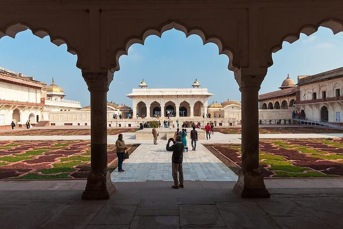Private Agra and Taj Mahal Day Trip by Express Train from Delhi