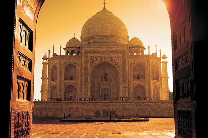 Private 3-Day Agra, Taj Mahal, Delhi Tour from Goa by Commercial Return Flights