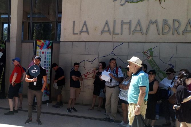 Alhambra Guided Tour with Skip-the-line Ticket photo 8