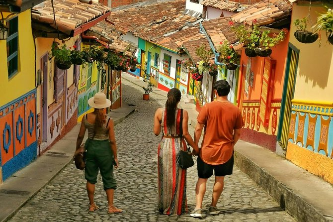 Guatape & Coffee Farm & Exotic Fruit Tasting: The Best Private Tour