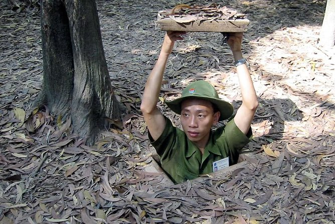 Big Group Cu Chi Tunnels Half Day
