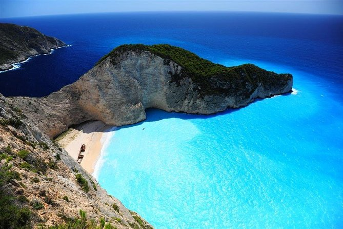 Private boat to Shiprwreck and Blue Caves in Zante!