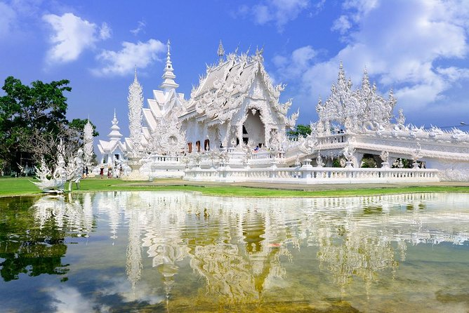 CHIANG MAI: Join Tour One day White Temple + Bann Dam Museum+Blue Temple