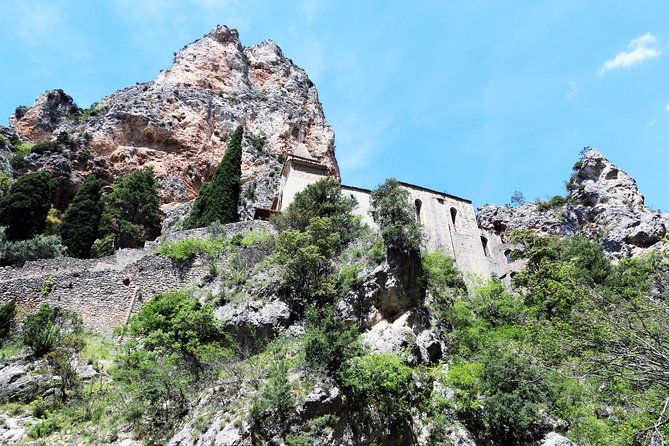 The breathtaking Gorge du Verdon & provençal village of Moustiers Sainte Marie