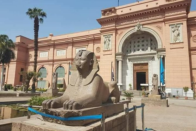 Private Tour of the Pyramids, Egyptian Museum and Bazaar
