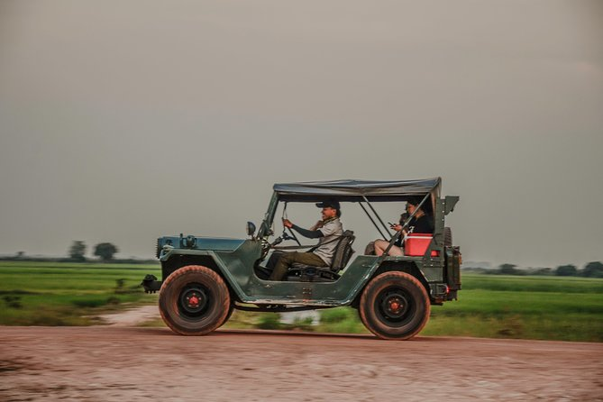 Vintage Jeep Tours: Countryside Floating Village and Home-hosted Lunch