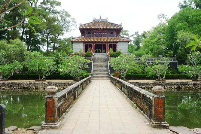 Hue sightseeing package tour