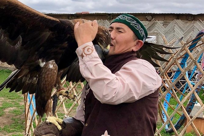 Trip to Kazakh family of Eagle hunters in Nur-Sultan (6 hours)