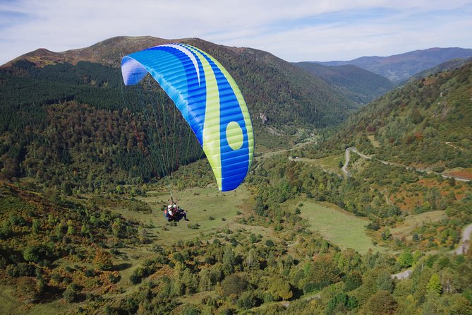 """Paragliding """"discovery"""" baptism in Ariège - Pyrenees"""