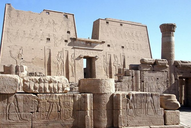 Luxor: Full Day Private Guided Tour to Abydos & Dandara temples