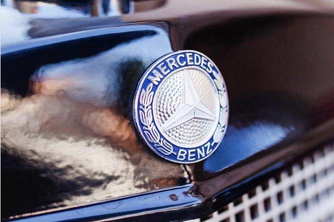 Vintage Cars Prague - Sightseeing Tour 90min / 2-6 pers.