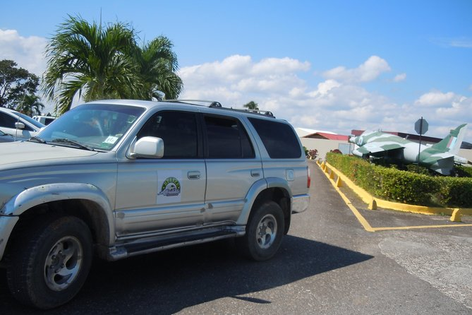 Private Arrival Transfer: Belize International Airport to San Ignacio Hotels