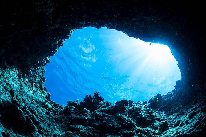 Half Day Blue Cave and Snorkeling Tour in Dubrovnik Archipelago
