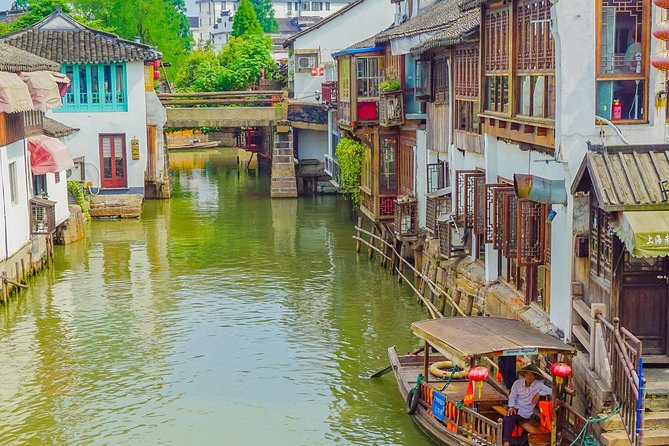 Private Day Tour: Zhujiajiao Water Town with Shanghai Local Shopping Outing photo 4