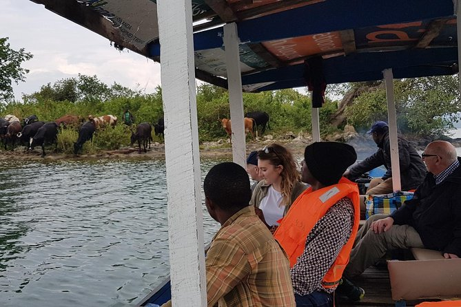 One-day Kivu Lake and Gisenyi Adventure with Air-Con car, Entries and Extras
