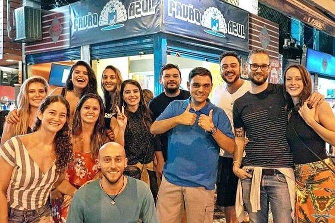 Pub Crawl in Copacabana - drink & snacks included