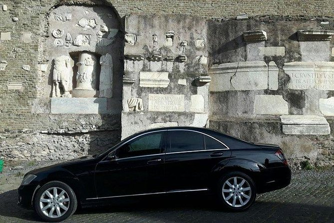 Private Transfer: Ciampino Airport (CIA) to Villa Adriana (Tivoli) or vice versa