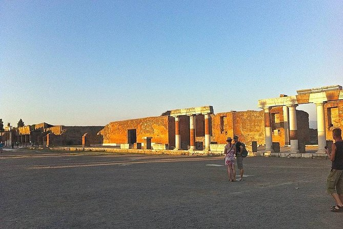 Pompei Guided Tour at Sunset photo 8