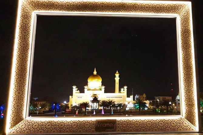 Bandar by Night