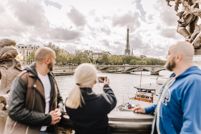 Paris Private Custom Tour with a Local Guide, Hidden Gems & Highlights ★★★★★
