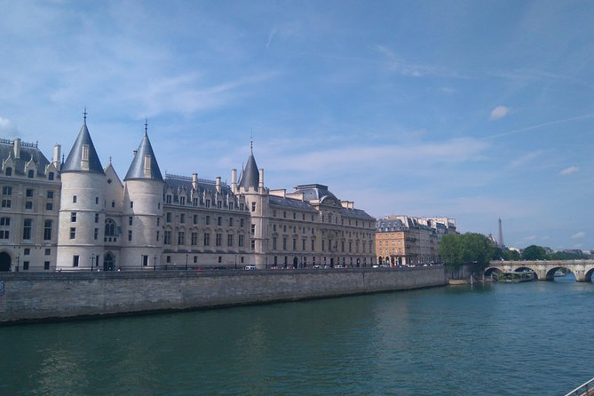 Heart of Paris. Private tour. Marais, ile de la Cité, Latin quarter by foot.