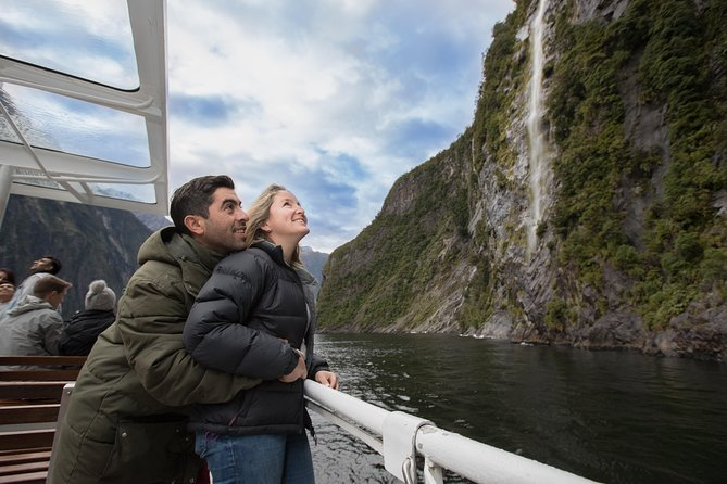 Milford Sound Tour and Scenic Cruise from Queenstown Including Lunch