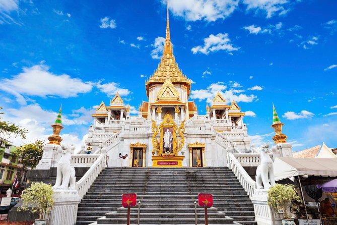Bangkok Walking Tour: Temples, Grand Palace & Flower Market Small Group tour